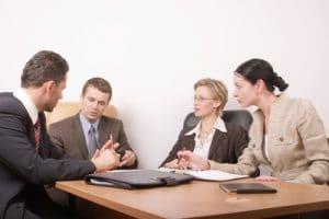Le gérant organise la réunion des associés