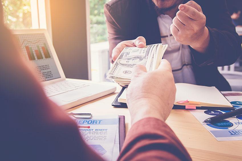 Le prêt d'argent par un employeur à un salarié