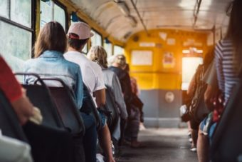 Accompagnatrice de bus